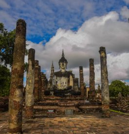 Arpenter Sukkothaï en Thaïlande