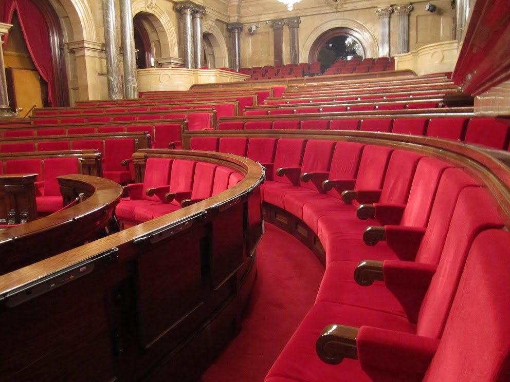Dans l'hémicycle du Parlement de Catalogne