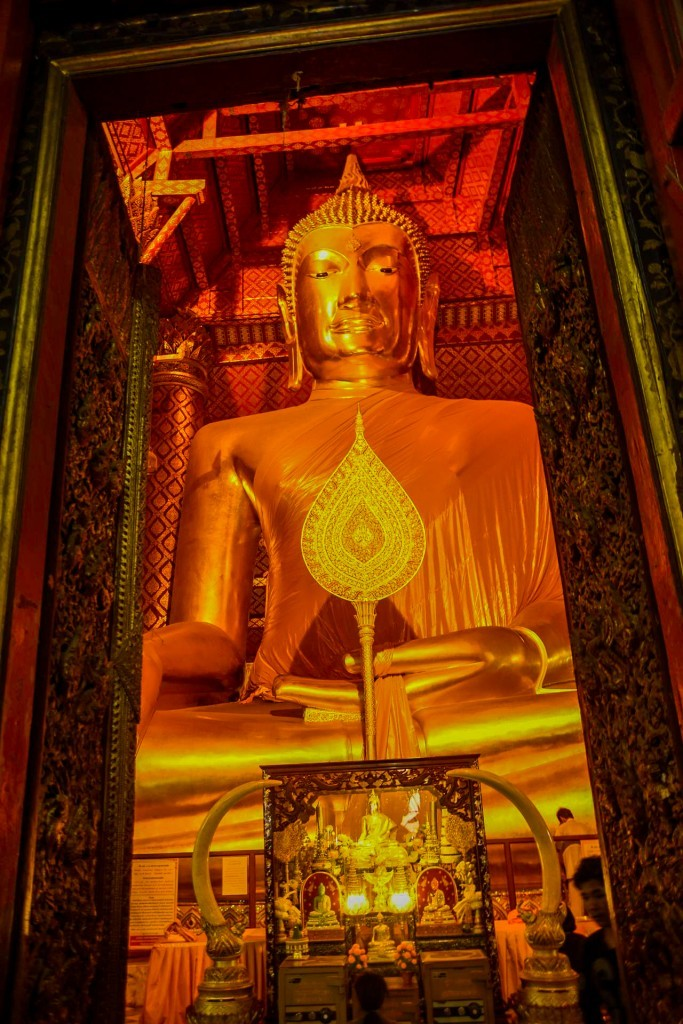 Le plus haut bouddha qu'on ait vu jusque là...