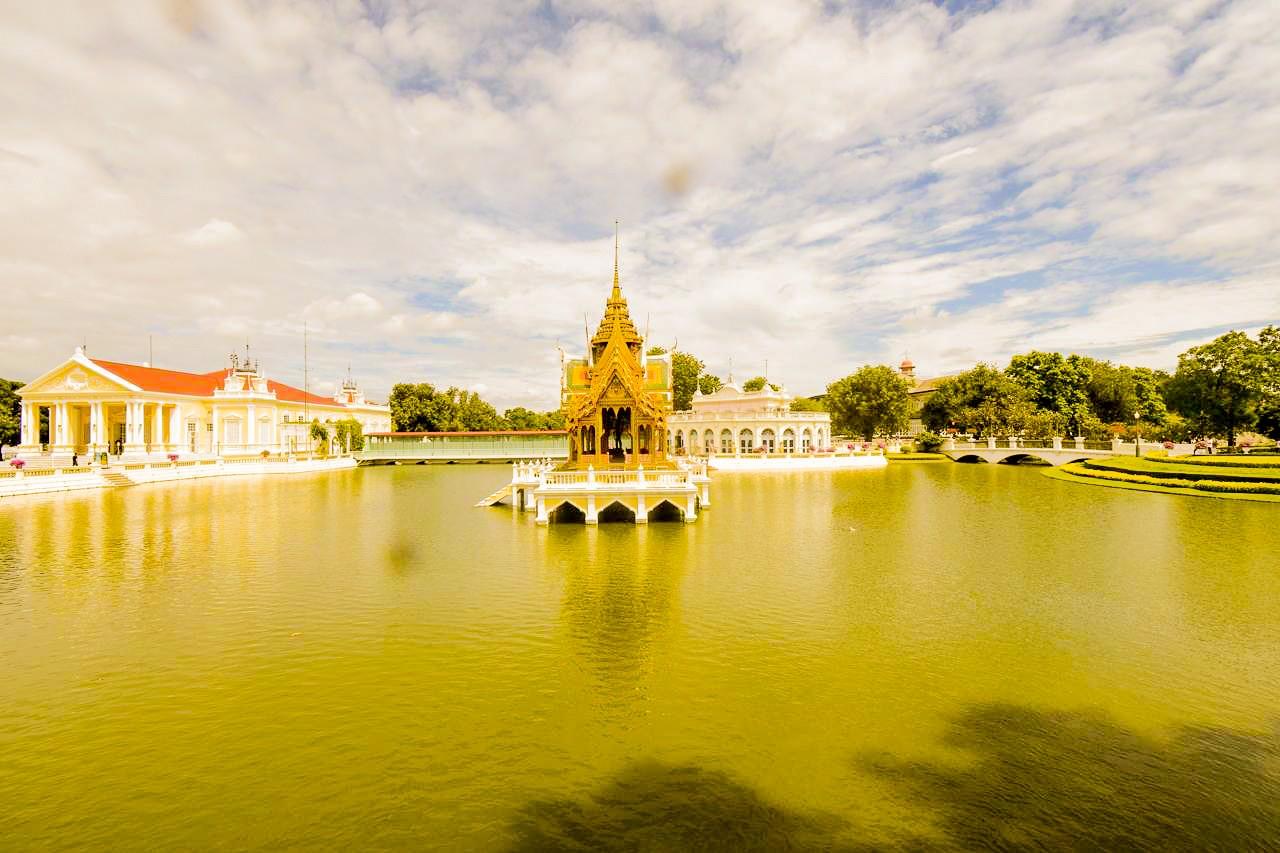 Dans le palais royal