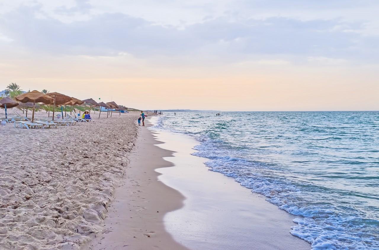 Les plages de Tunis sont attirantes, non ?