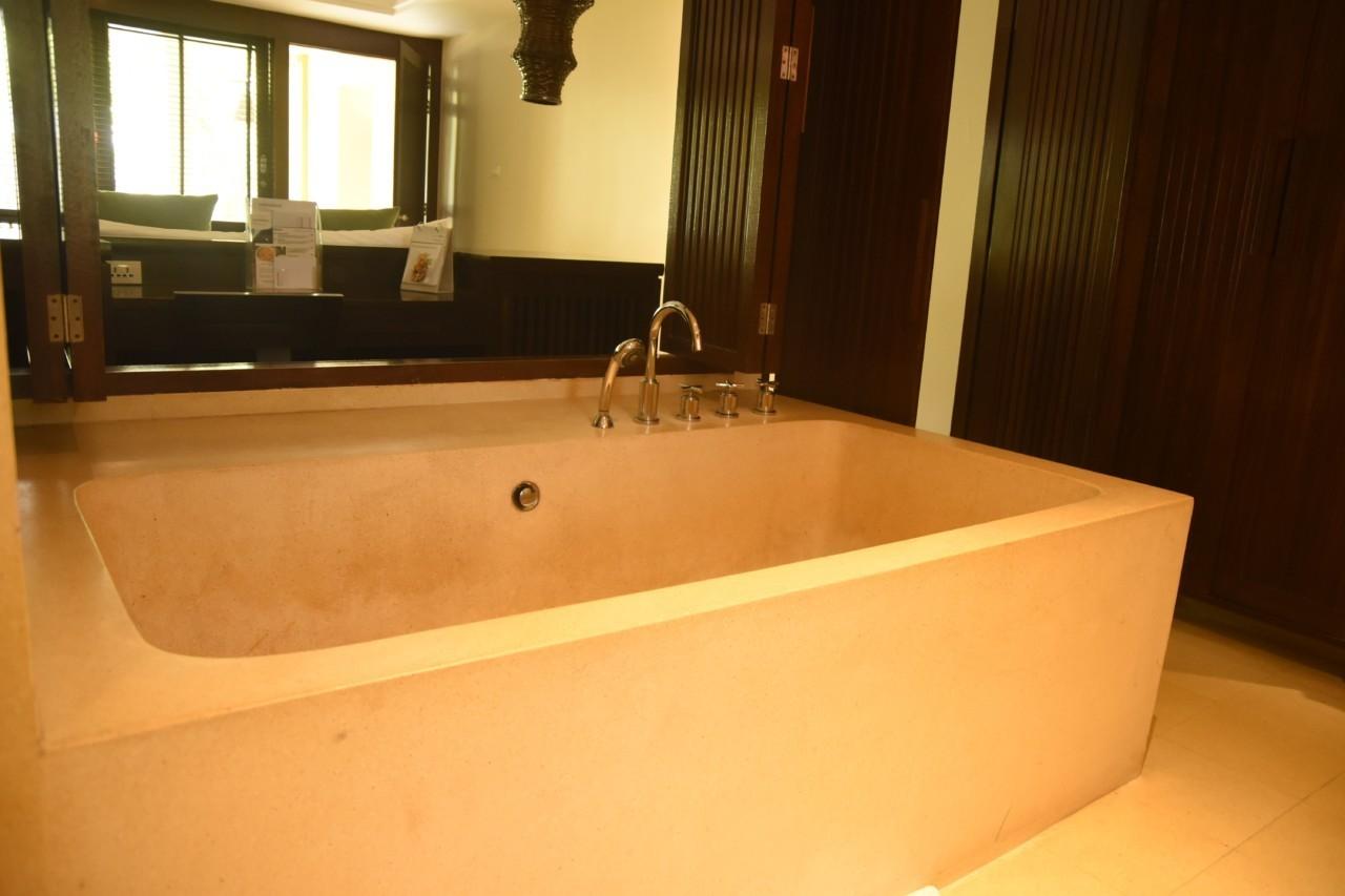 L'immense baignoire
