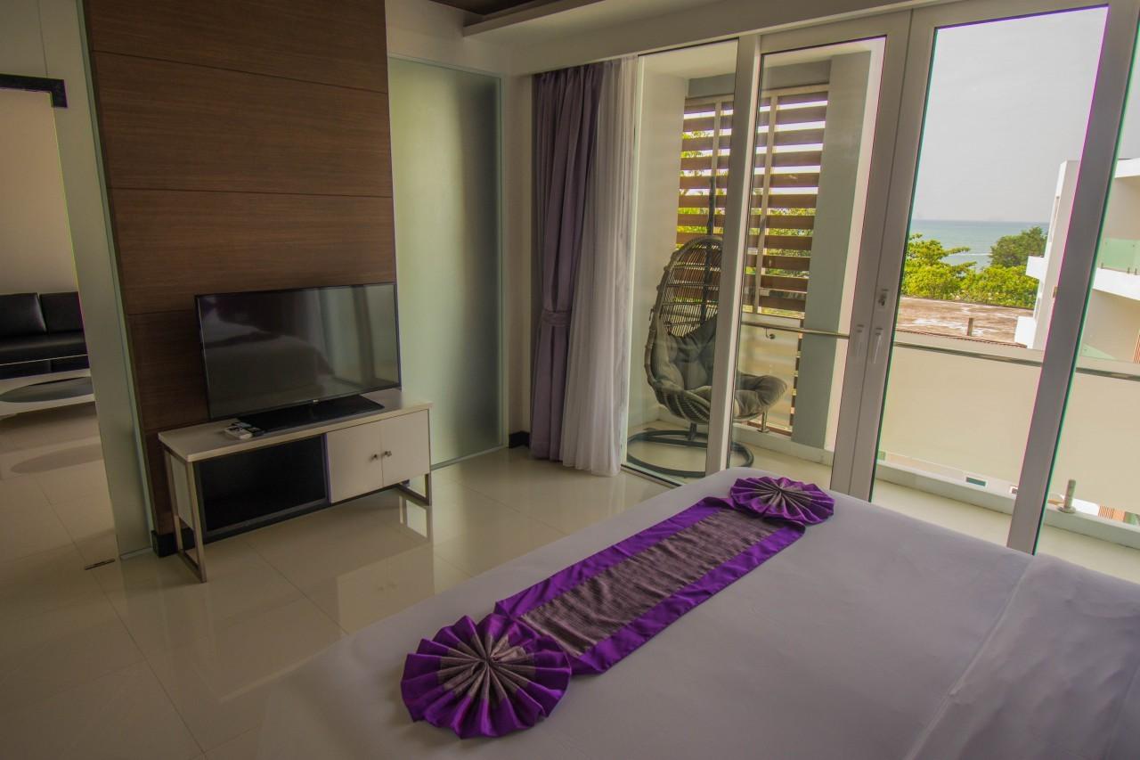 Dans la chambre de la suite de L resort à Krabi