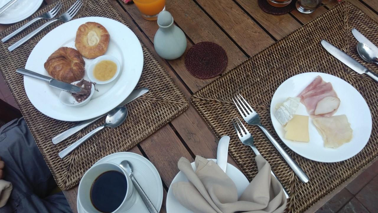 Petit déjeuner au Rayavadee Resort à Krabi