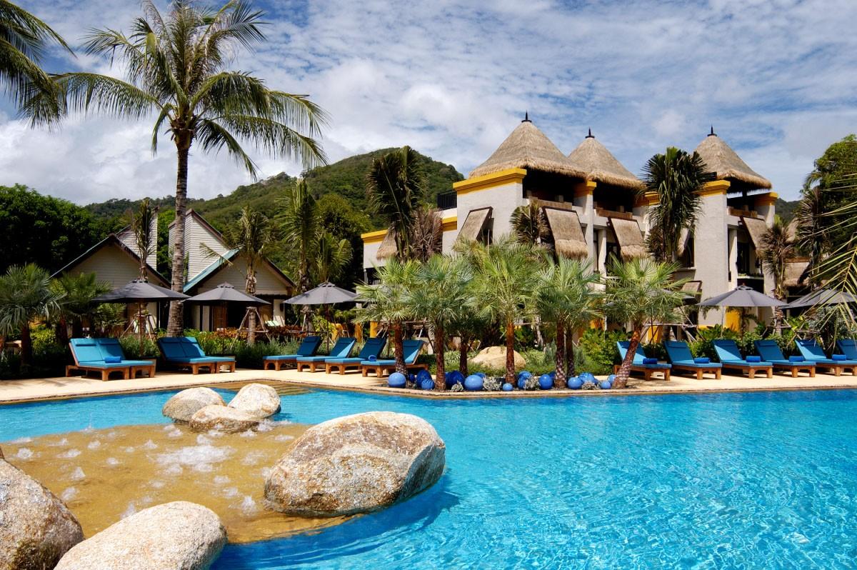 La piscine Karon Coconut Grove au Mövenpick Resort & Spa à Karon Beach à Phuket