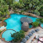 Une des nombreuses piscines du Mövenpick Resort & Spa à Karon Beach à Phuket