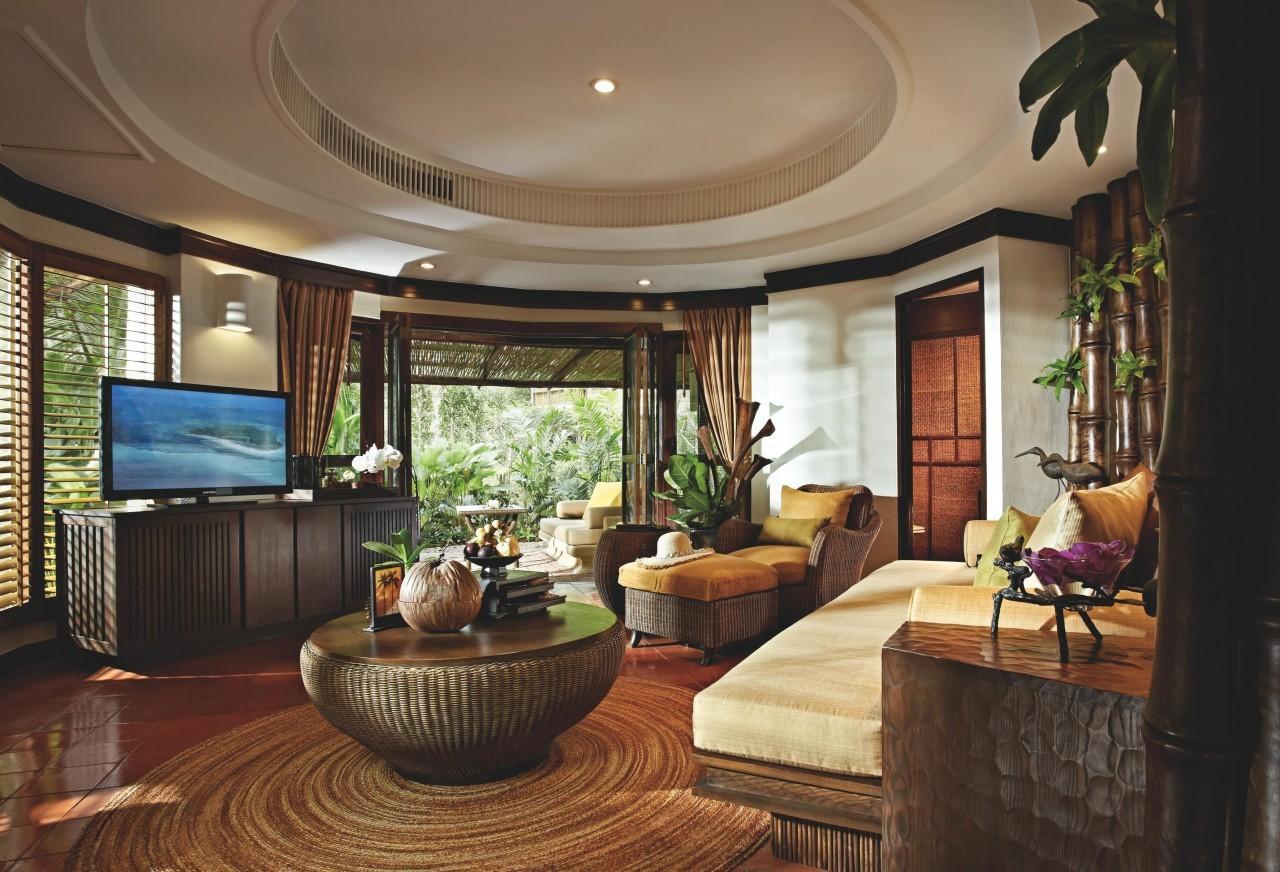 Dans le salon du Rayavadee Resort à Krabi
