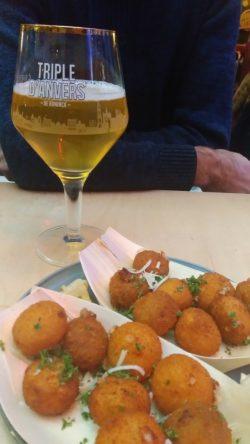 Repas rapide au Mercado à Anvers