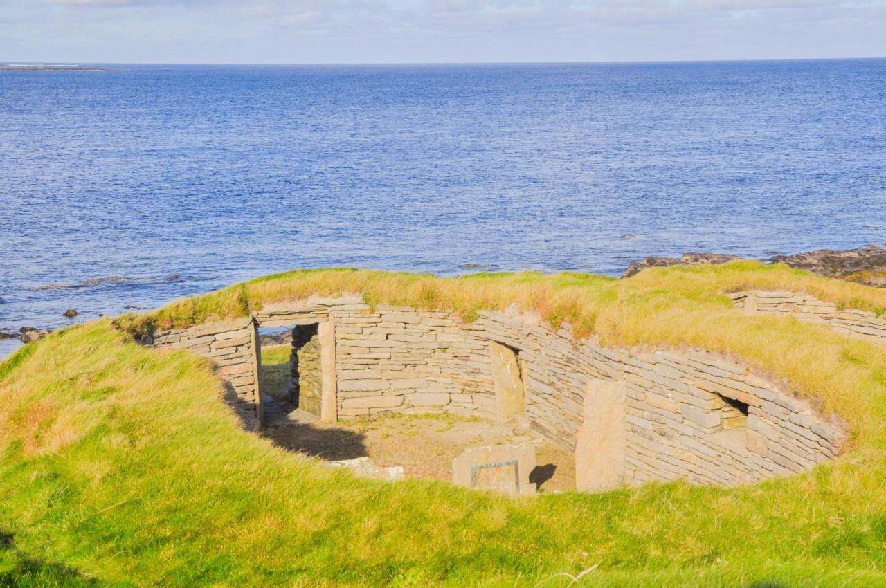 Tomber par hasard sur une ancienne habitation des Vikings