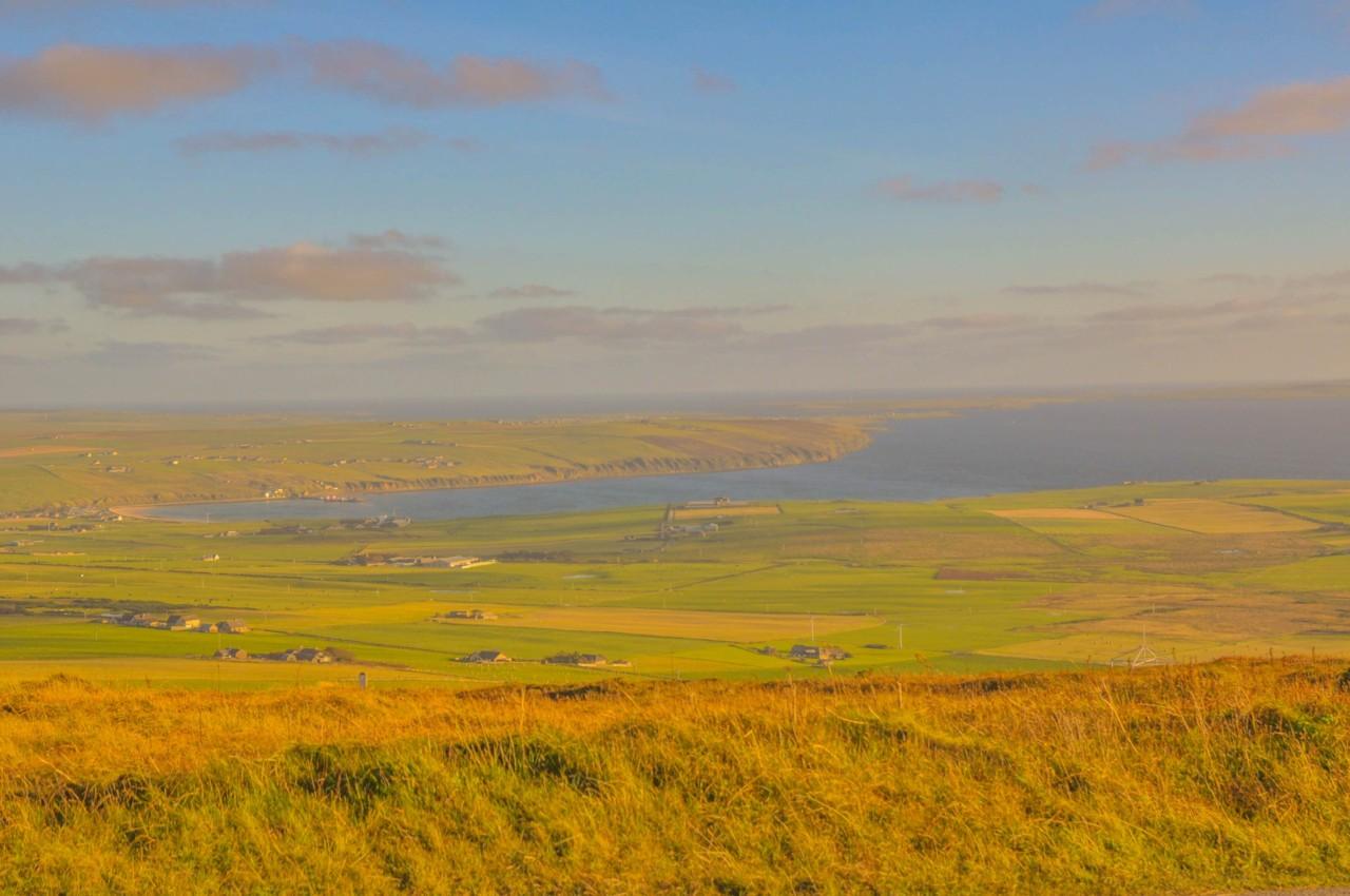 Passez d'une île en île en Écosse du côté de Orkney