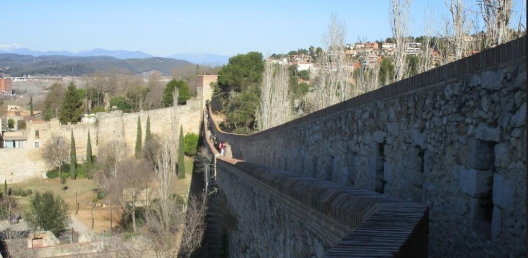 La promenade sur la muraille de Girone