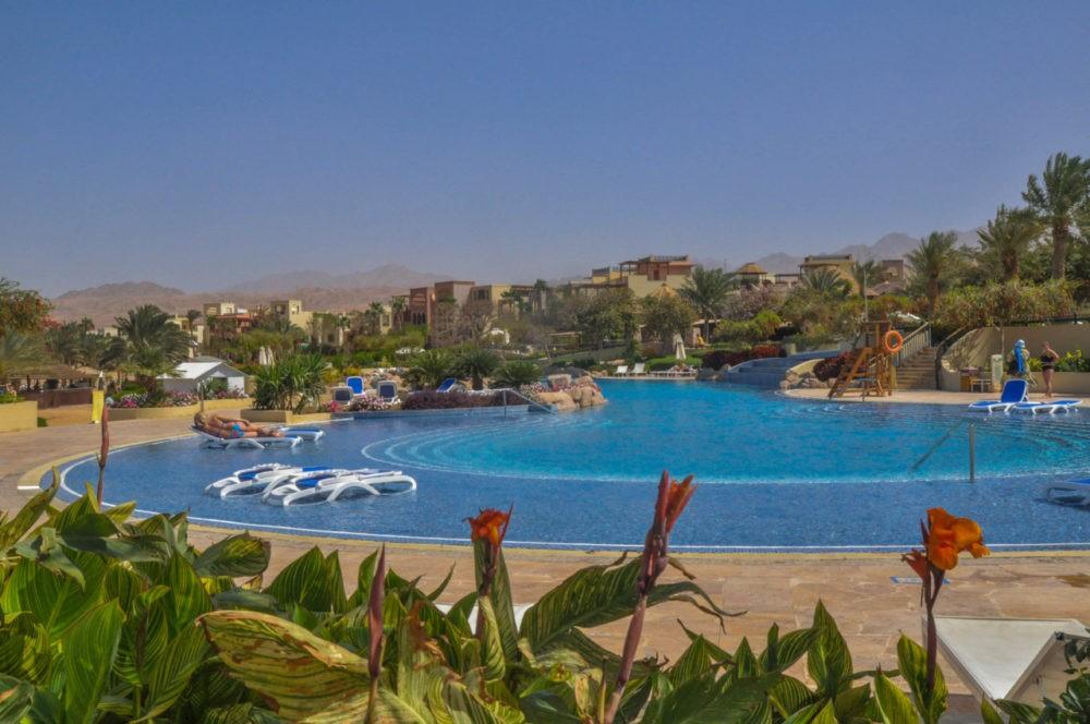 Le Tala Bay hôtel et ses piscines en Jordanie