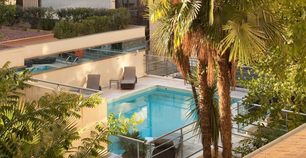 Piscine de l'hôtel Océania à Montpellier