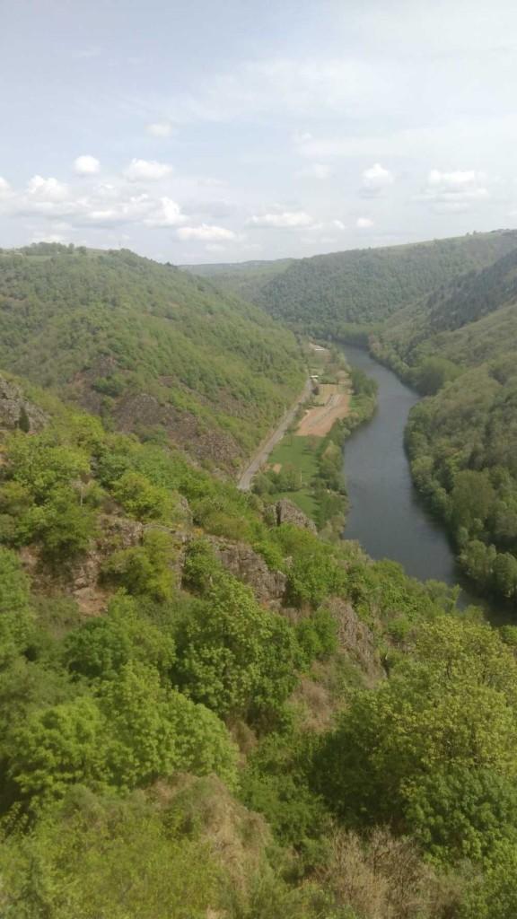 Découvrir un voyage aventure à travers les paysages incontournables de l'Aveyron