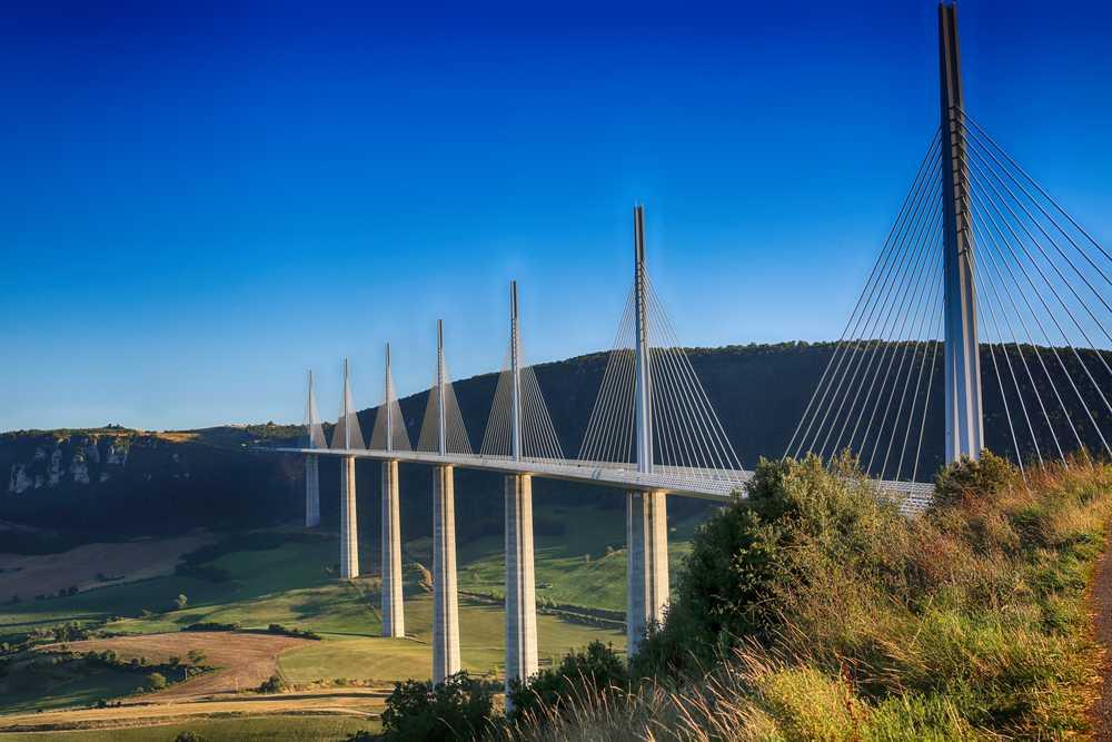 Le viaduc de millau dans l'Aveyron