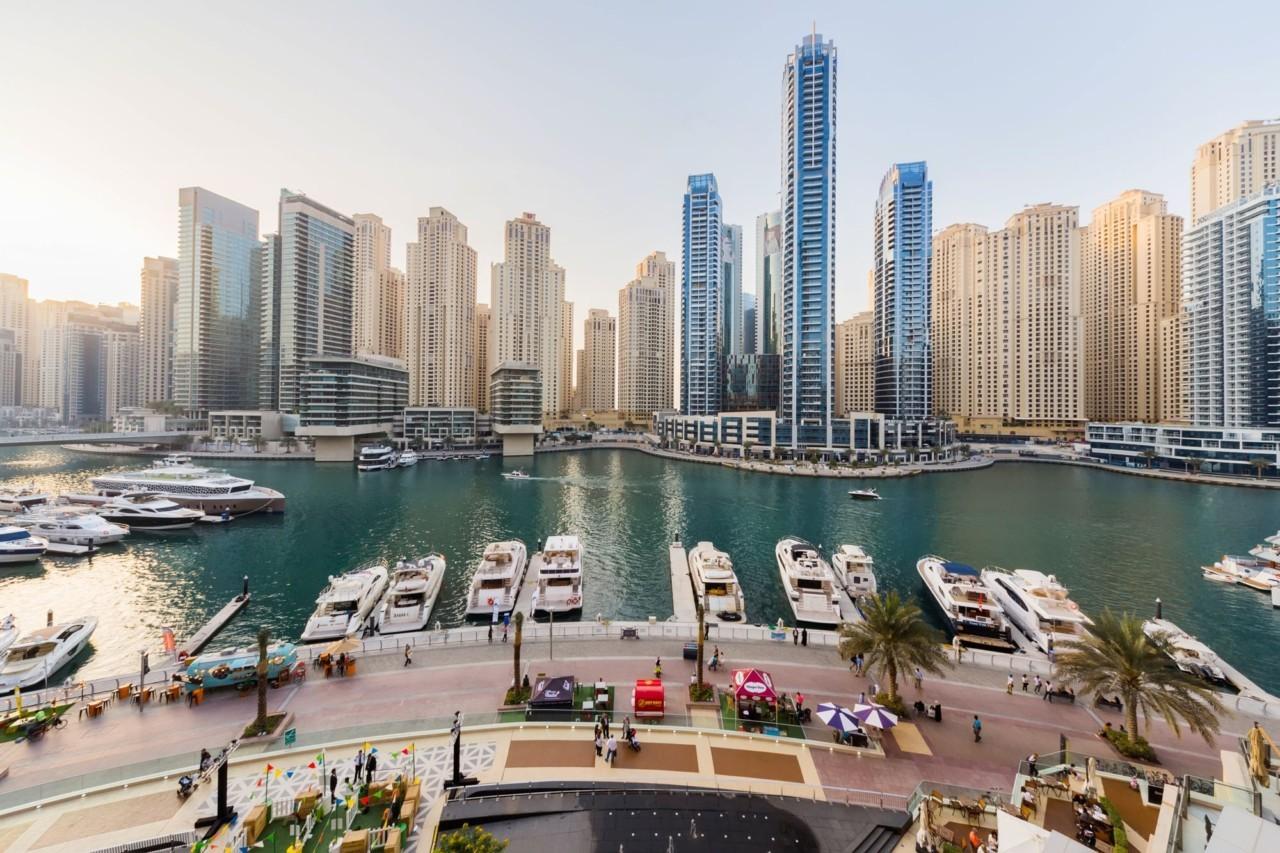 Dans la marina de Dubaï