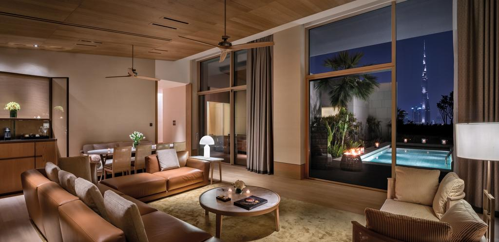 Le salon de la suite présidentielle du Bulgari Hôtel à Dubaï