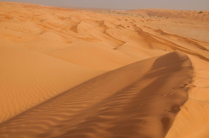 Au sommet des dunes de sable