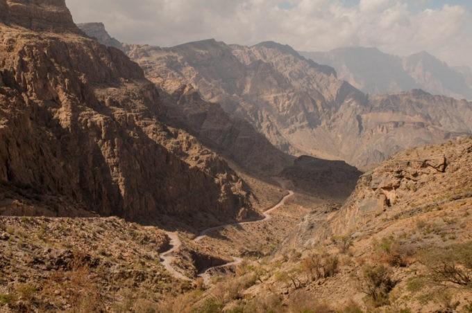 Les routes sublimes prennent tout leur sens dans ces montagnes ciselées
