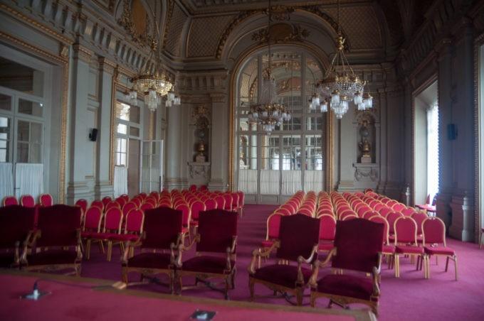 La salle des mariages à la mairie de Roubaix