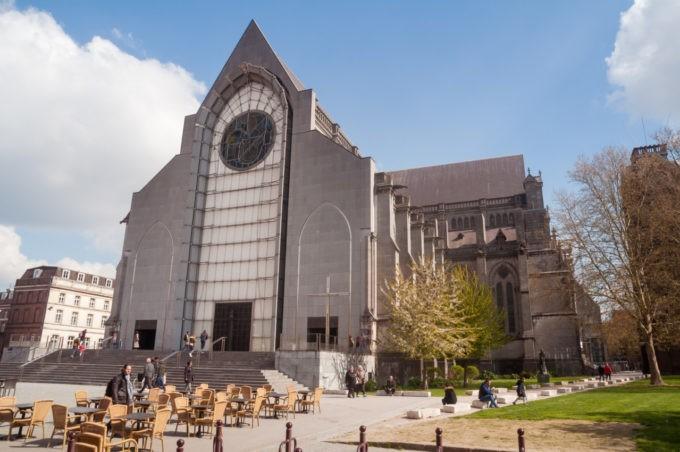 Une église contemporaine dans le Vieux Lille