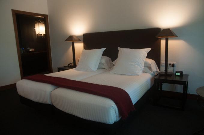 Lit king size dans la suite 22 de l'hôtel Primero Primera