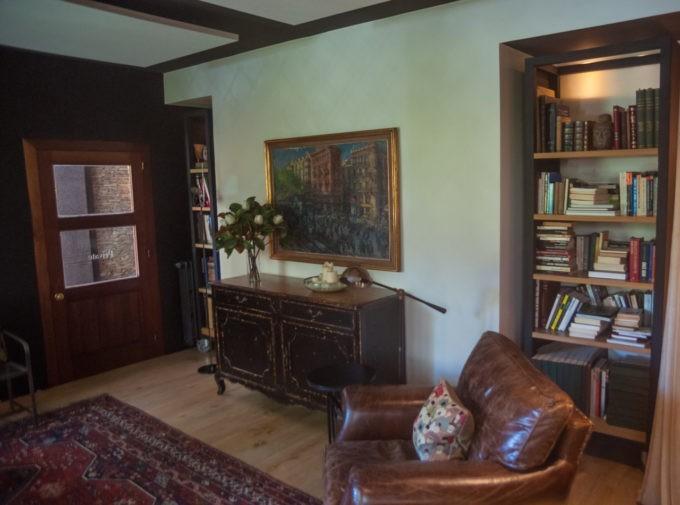 Dans le salon de l'hôtel Primero Primera