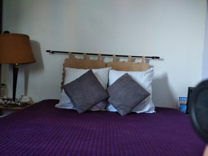 Dormir avec des oreillers de la Compagnie du Blanc