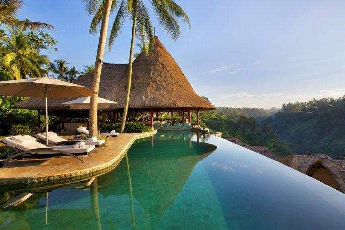 La piscine du resort de luxe