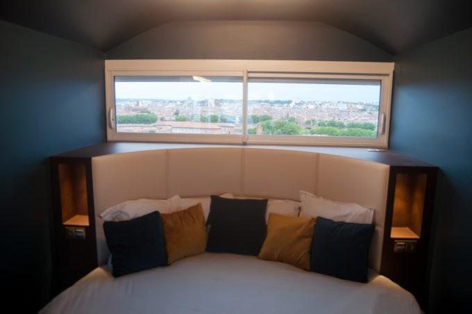 Avec une vue panoramique sur Toulouse