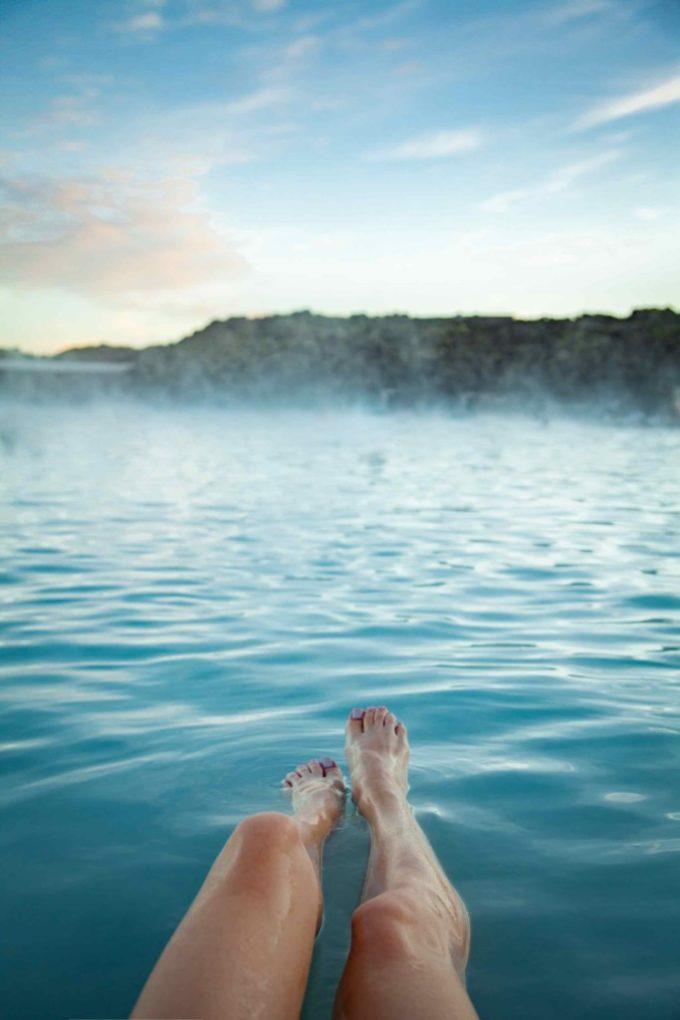 Jambes en Islande au Blue Lagoon