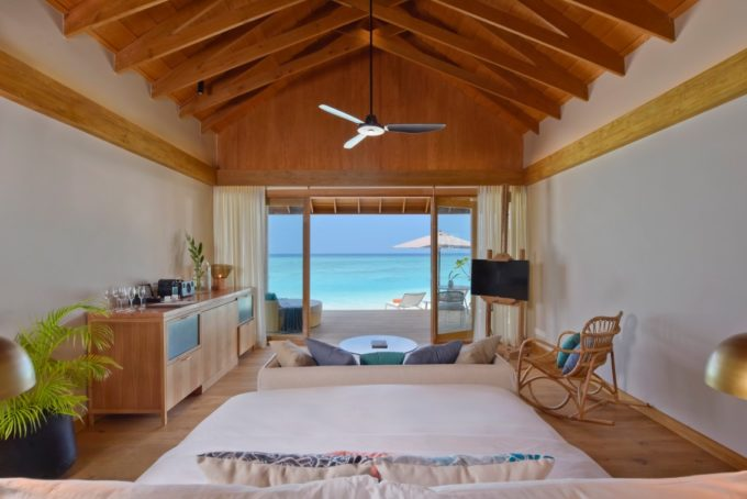 Lodge sur la plage de sable fin