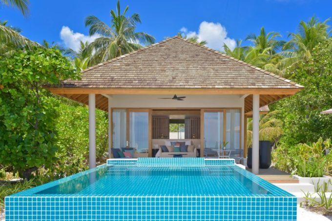 Villa et piscine extérieure privée