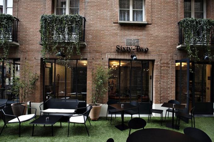 La terrasse du Sixty Two le restaurant gastronomique de la Villa du Taur