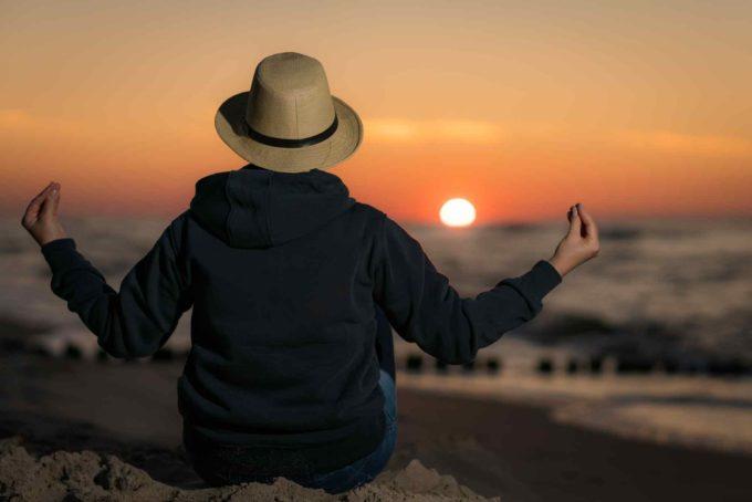 Contempler un coucher de soleil à Bali