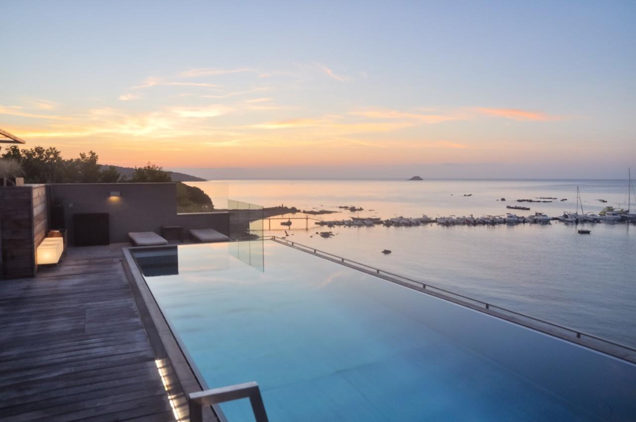 Lever du soleil au Pinarello depuis la piscine