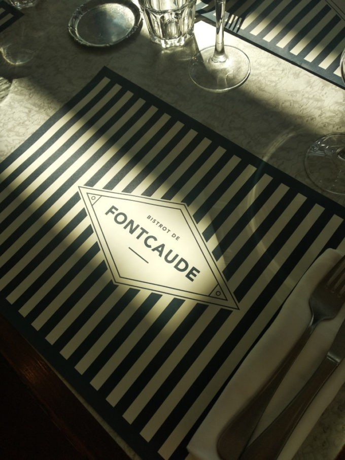 Manger à la brasserie de l'hôtel