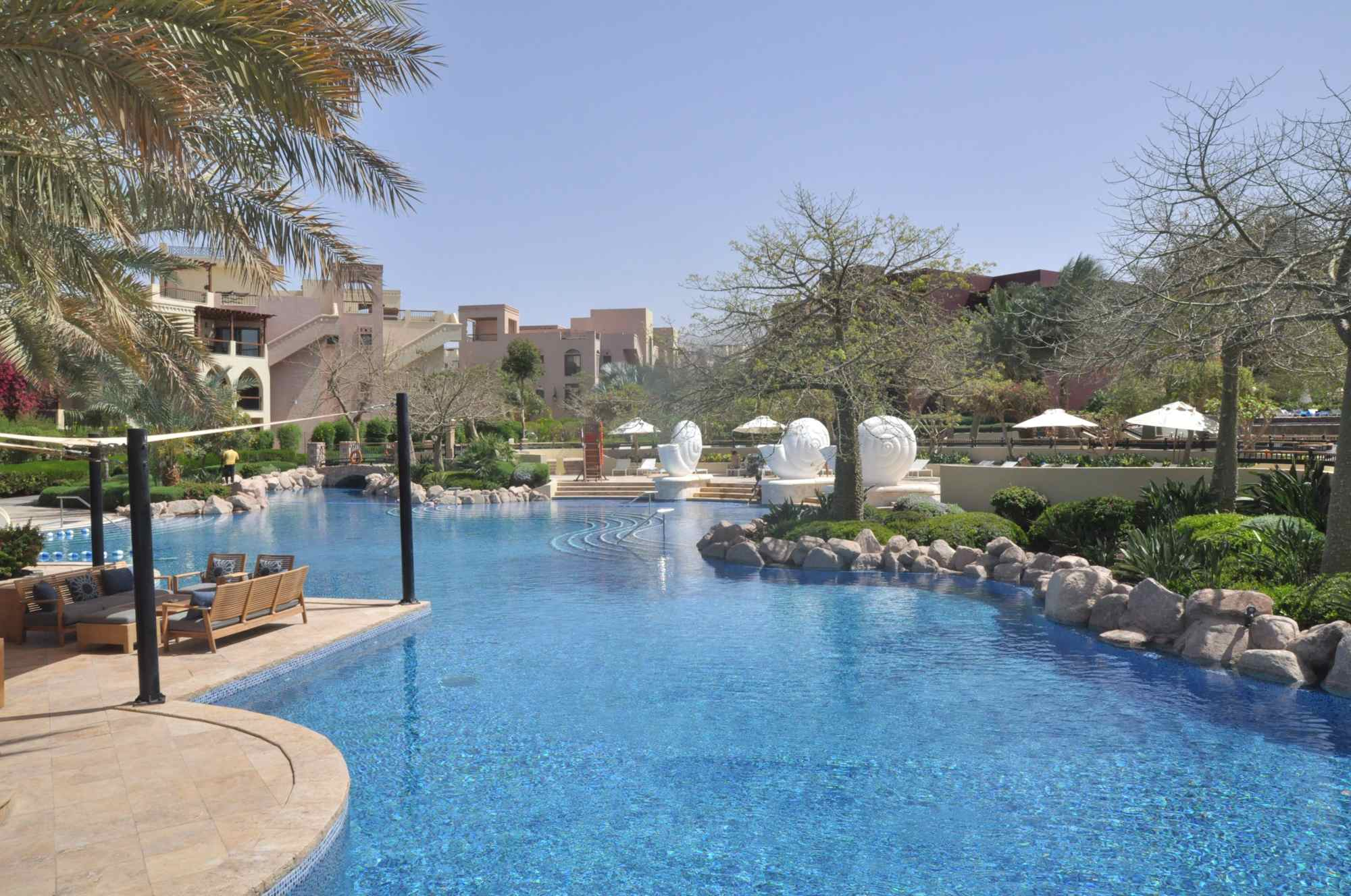 Bassins aquatiques au Movenpick Tala Bay