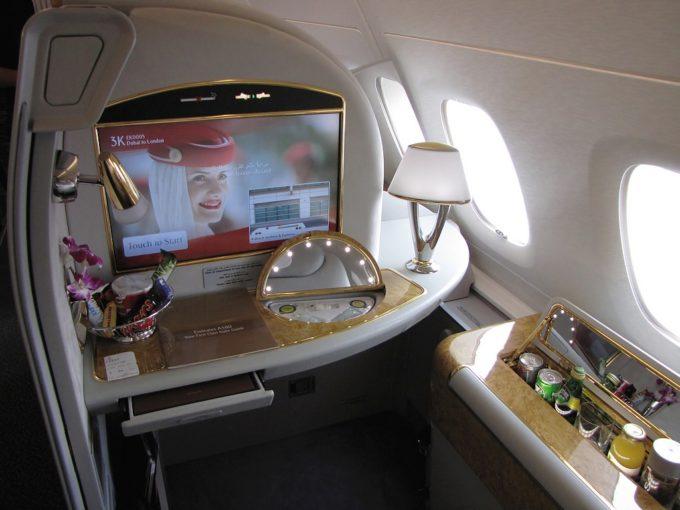 L'écran pour s'occuper à bord chez Emirates
