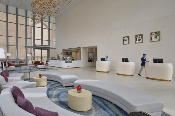 Le lobby du Avani hôtel à Dubaï