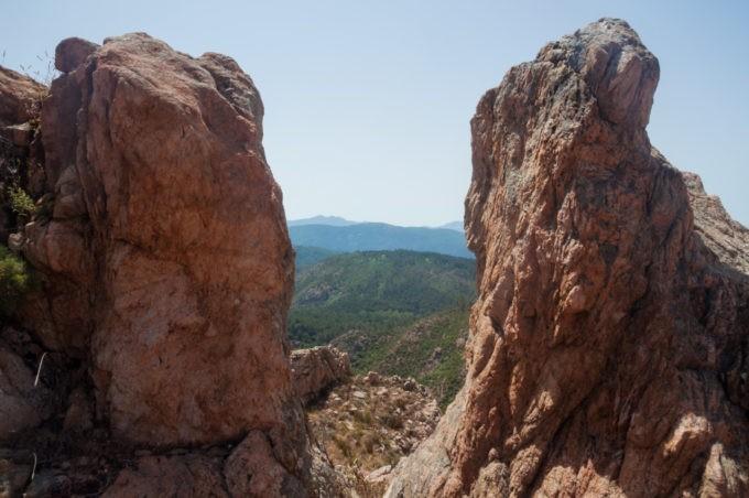 Arriver au sommet de roches