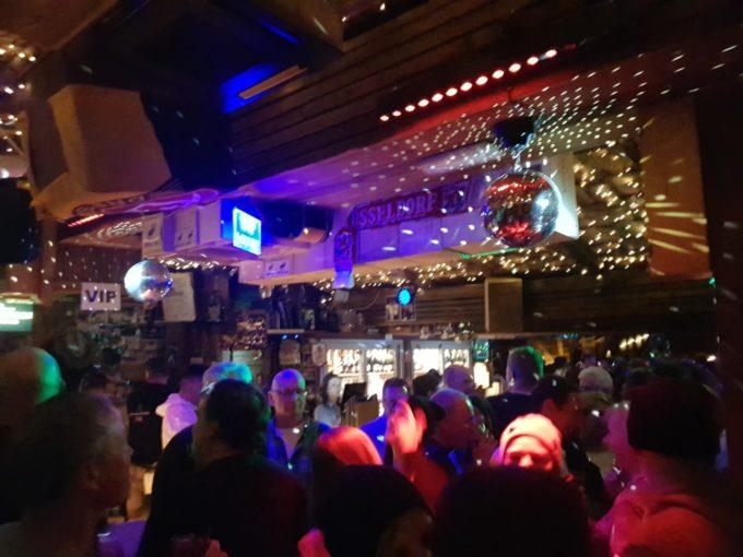 Les bars de Ischgl sont pleins