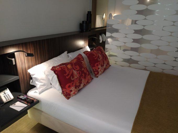 Les oreillers dans la chambre