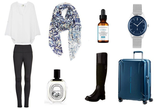 Foulard Nordstrom | Blouse Nordstrom | Leggings Nordstrom | Boots | Valise American Tourister |Montre Louis Pion | Parfum Diptyque