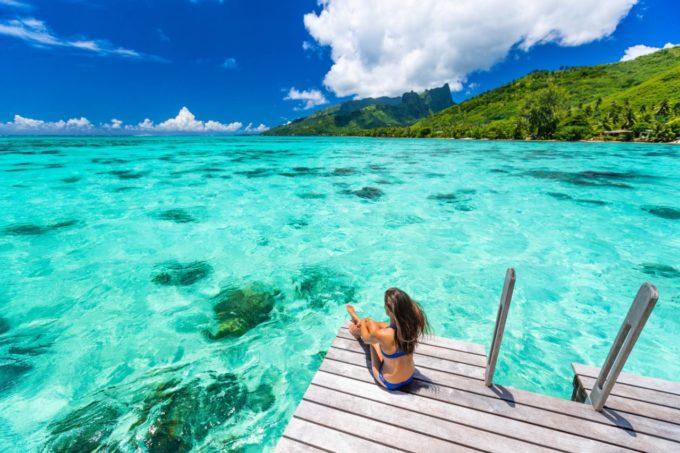 Contempler l'horizon turquoise