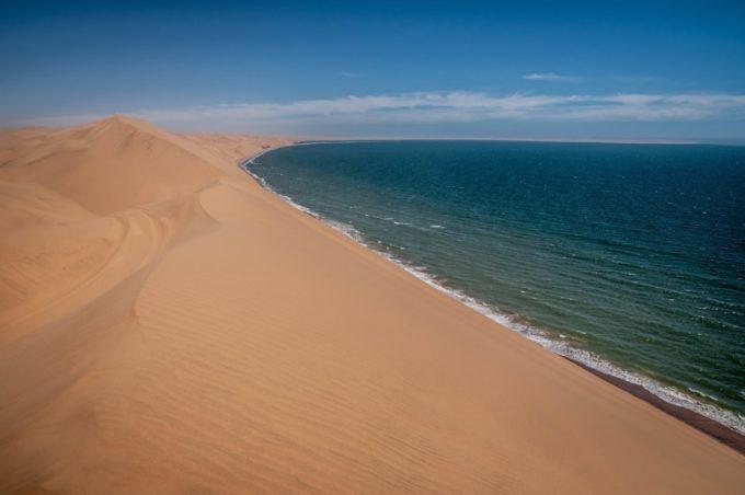 Sandwish Harbour, la dune 45 qui domine l'océan !