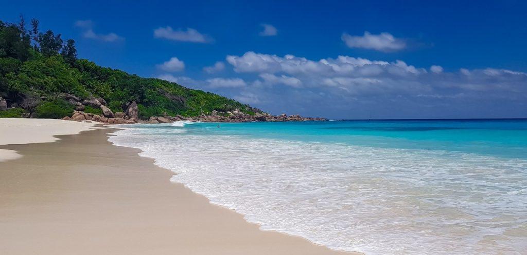 Plage aux Seychelles à La Digue