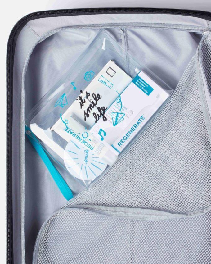 Le travel kit Regenerate pour des dents éclatantes