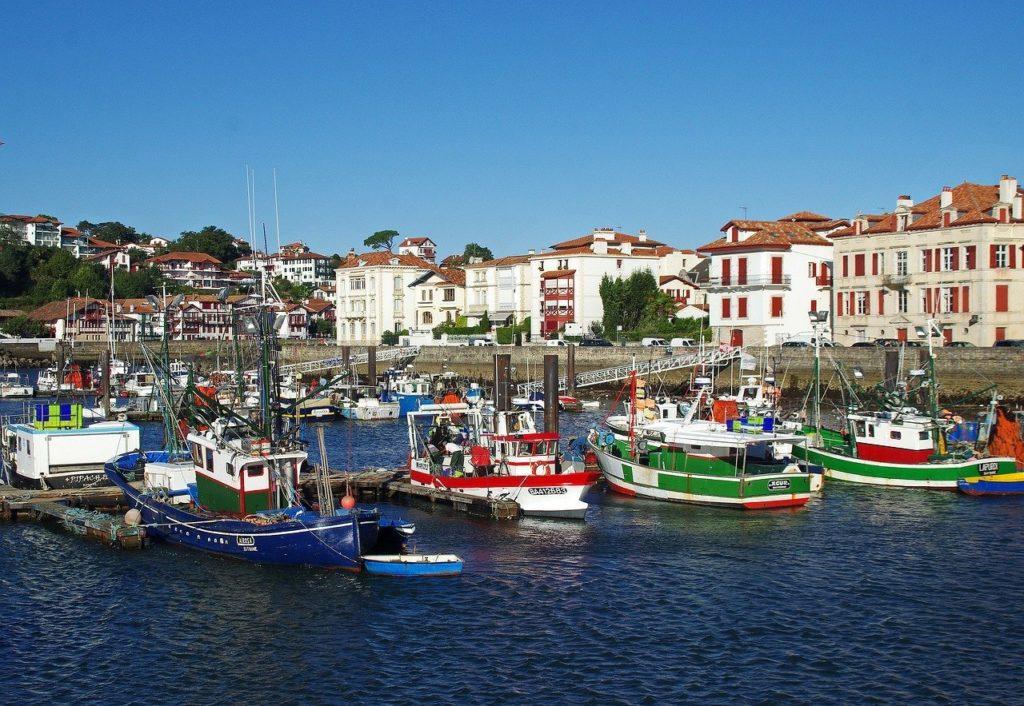 Le port de St Jean de Luz