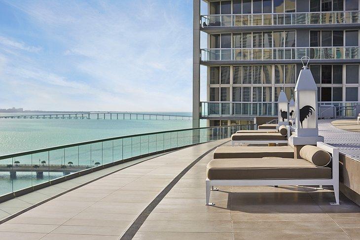 Piscine hôtel Viceroy Miami